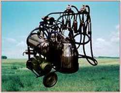 旋片泵式挤奶小车