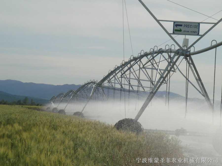 維蒙聖菲 中心支軸式噴灌機 小麥灌溉中