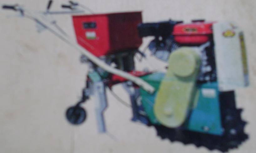 供應鏈條自走式中耕播種施肥機